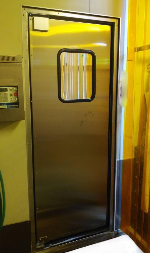 密閉タイプ:食品工場仕切りドア