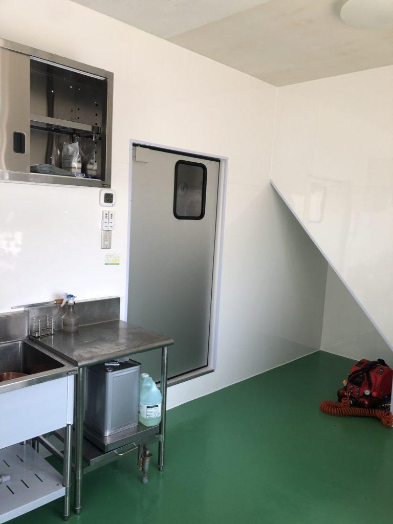 厨房仕切り用密閉ドア